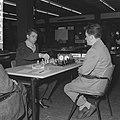 Interzone schaaktoernooi in het GAK gebouw te Amsterdam, de Rus Boris Spasski (l, Bestanddeelnr 916-5232.jpg