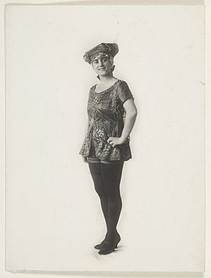 New Tivoli Theatre, Sydney - Ivy Moore in Cinderella at the Grand Opera House, December 1919 (New Tivoli Theatre)