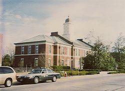 Tòa án quận Onslow xây năm 1904.