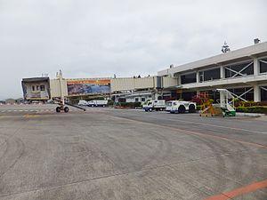 Jet Bridge of Taitung Airport 20120324.JPG