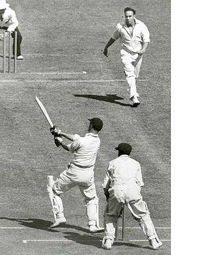 Ian Johnson (cricketer) - Image: Johnsonto Hutton