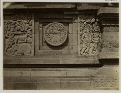 KITLV 28284 - Isidore van Kinsbergen - Relief with part of the Ramayana epic on the east side of Panataran, Kediri - 1867-02-1867-06.tif