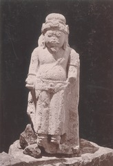 KITLV 87698 - Isidore van Kinsbergen - Hindu-Javanese sculpture coming from the Dijeng plateau - Before 1900.tif