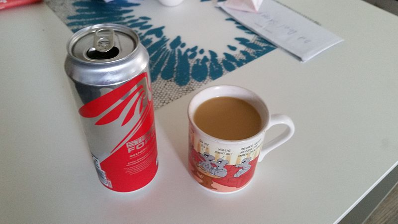 File:Kaffee und Energydrink 20150814 123235.jpg