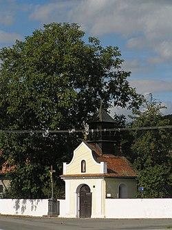 Kaple sv. Anny(Štěpánovice) z boku.JPG