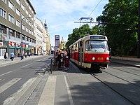 Karlovo náměstí, tramvaj linky 2.jpg