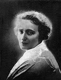 Kazimiera Illakowiczowna Polish poet 1928.jpg