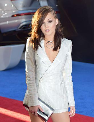 Kelli Berglund - Berglund at the Captain America: Civil War premiere in 2016