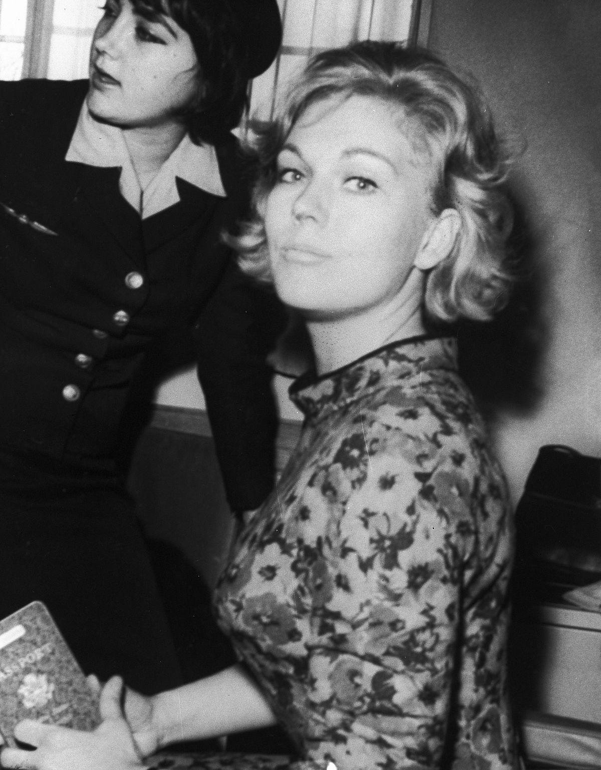 Kim Novak 1962.jpg