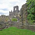 Kirkstall Abbey (27193414186).jpg