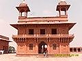 Kkm dewan-e-khas fatehpur sikri india.jpg