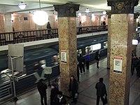 Komsomolskaya-radialnaya (Комсомольская-радиальная) (5229637662).jpg