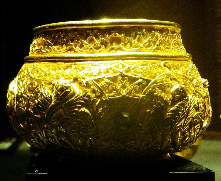 File:KunsthistorischesMuseumSanNicolauMareTreasure3.jpg