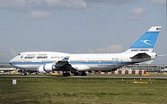 Kuwait Airways - Image: Kuwaitairways b 747 400m 9k ade arp