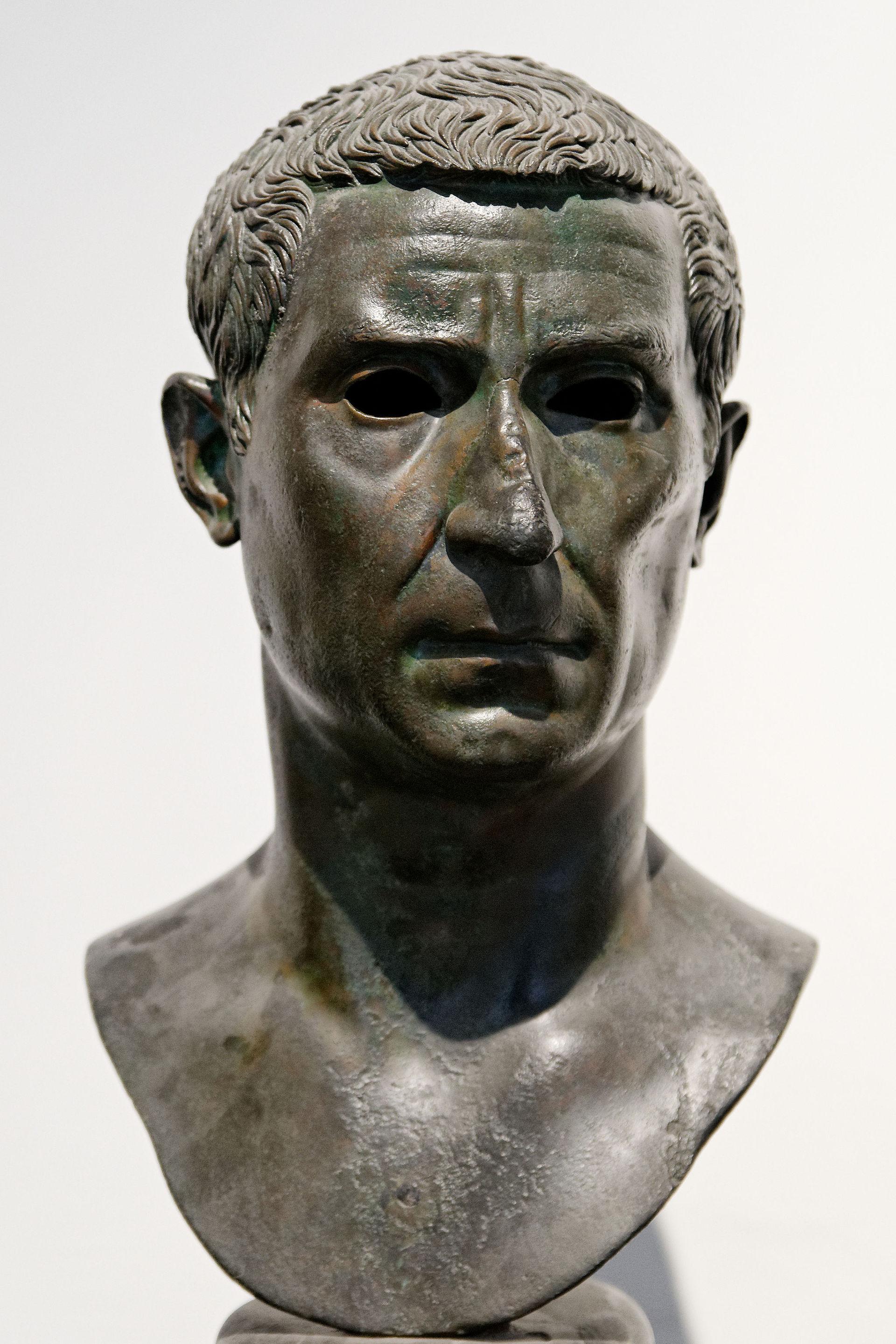 Lucius calpurnius piso caesoninus consul 15 bc wikipedia for Consul wikipedia