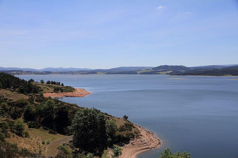 File:Lac de Neussac.jpg