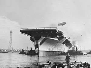 Launch of USS Bunker Hill (CV-17) at the Fore River Shipyard on 7 December 1942 (NH 97290).jpg