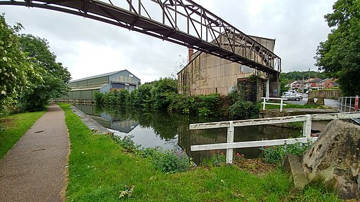 Leeds And Liverpool Canal (35141590242)