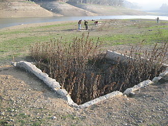 Lexington Reservoir - A building foundation, which was exposed during the pipe replacement project (2008).