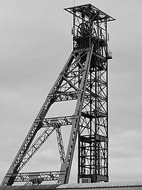 Liévin - Fosse n° 1 - 1 bis - 1 ter des mines de Liévin, puits n° 1 bis (S).JPG