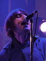 Liam Gallagher in concerto in Belgio con i Beady Eye nel marzo 2011
