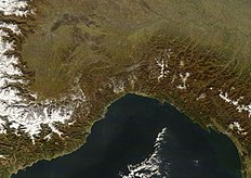 Liguria dal satellite.jpg