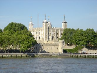 Romanesque secular and domestic architecture - Image: London Tower (1)