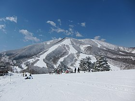 Madarao Kogen Ski Resort (4483368693).jpg
