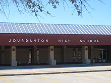 Main building of Jourdanton, TX, High School IMG 2563.JPG