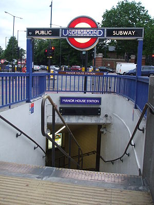 Manor House tube station - Image: Manor House stn southeast entrance