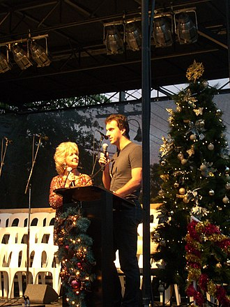 Matt Welsh - Welsh at 2008 Mt Waverley Village Christmas carols with Patti Newton