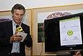 Mauricio Macri presentó aplicaciones tecnológicas para informacion del sistema de bicing (8209537020).jpg