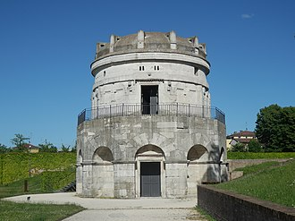 History of Medieval Arabic and Western European domes - The Mausoleum of Theodoric.