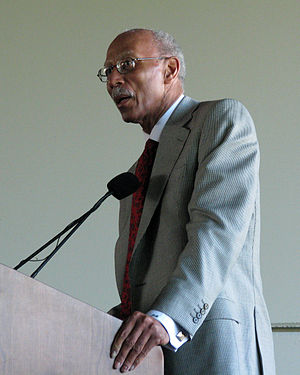 Dave Bing - Mayor Bing delivers a speech.