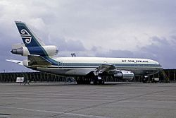McDonnell Douglas DC-10-30, Air New Zealand AN2174534.jpg