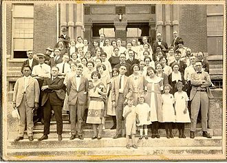 Friends University - The Kansas Yearly Meeting Summer Conference on the steps of Davis, 1922
