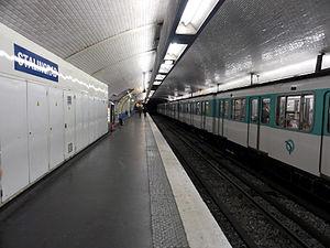 Stalingrad (Paris Métro) - Image: Metro de Paris Ligne 5 Stalingrad 01