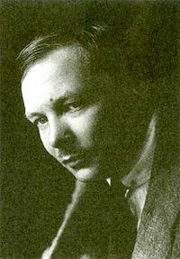 Mikhail Larionov, c.1915.jpg