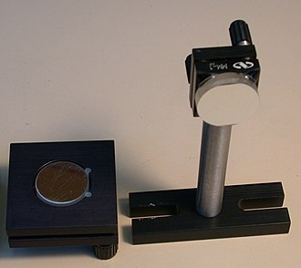 Mirror mount - Two kinematic mirror mounts, with mirrors.
