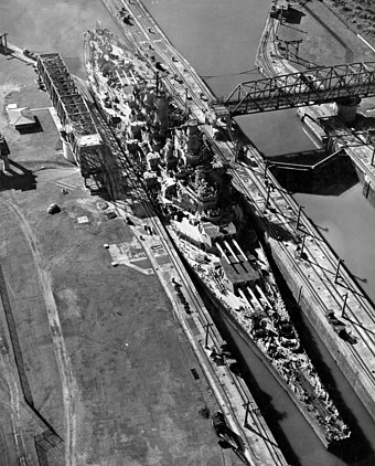 USS Missouri passes through the canal in 1945. The Iowa-class battleships were designed to be narrow enough to fit through. Missouri panama canal.jpg