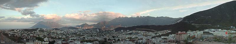 Foto panoramica de rayados 97