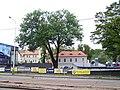 Motol, Plzeňská, pohled k čp. 3 a k zámku.jpg
