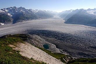Aleutian Range - Image: Neacola 1