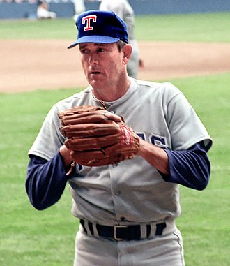 1999 Baseball Hall of Fame balloting - Image: Nolan Ryan Tiger Stadium 1990 CROP