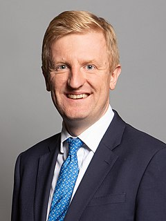 Oliver Dowden British accountant and politician