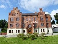 Ostrava, Petřkovice, škola na náměstí (1).JPG