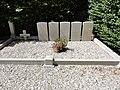 Ouainville (Seine-Mar.) tombes CWGC.jpg