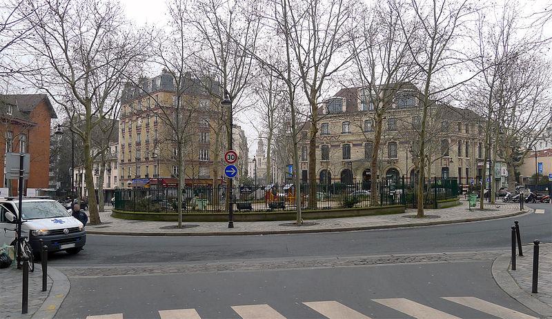 Fichier:P1160816 Paris XIII place de l'Abbé-Georges-Hénocque rwk.jpg