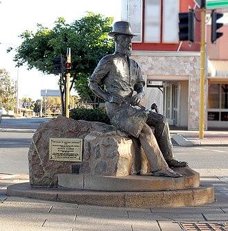 Paddy Hannan - 1929 statue of Paddy Hannan in Kalgoorlie, Western Australia