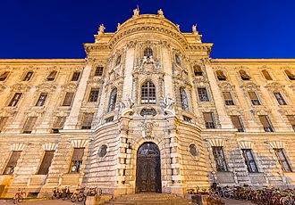Justizpalast (Munich) - Front of the Justizpalast Munich